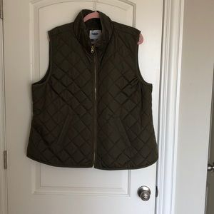 Old Navy Olive green puffy vest